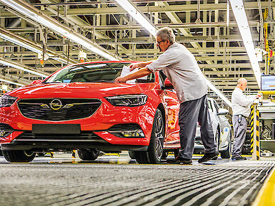Opel-Insignia-Production am Band